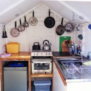 Caravan galley hut